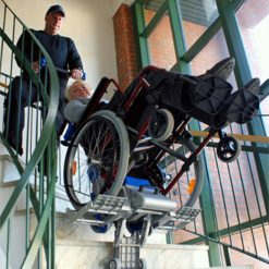 Liftkar 2 (PT Uni) - Salvaescaleras para silla de ruedas